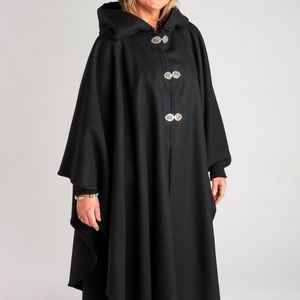 Casco Bay Black Merino Wool Cape excellent cond
